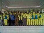 Kontingen Korpri Banten saat berfoto bersama di halaman pendopo Gubernur di Kawasan Pusat Pemerintahan Provinsi Banten Kota Serang, Rabu (13/11).